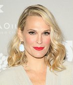 Molly Sims attends the 2015 Baby2Baby Gala presented by MarulaOil Kayne Capital Advisors Foundation honoring Kerry Washington at 3LABS on November 14...