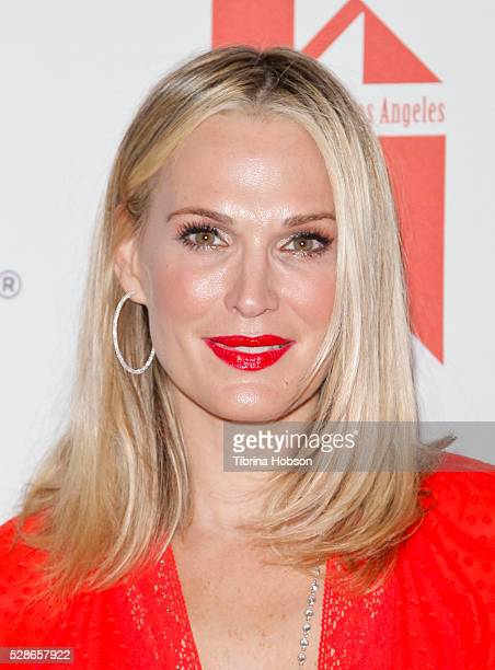 Molly Sims attends The Helping Hand of Los Angeles' 87th Anniversary Mother's Day Luncheon and Fashion Show at the Beverly Wilshire Four Seasons...