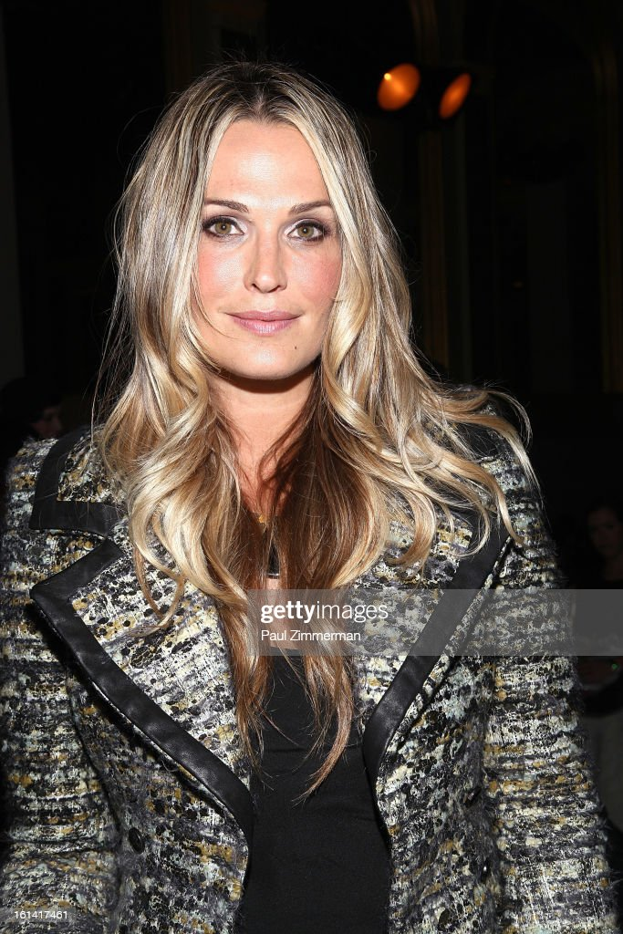 Molly Sims attends Zac Posen during Fall 2013 Mercedes-Benz Fashion Week on February 10, 2013 in New York City.