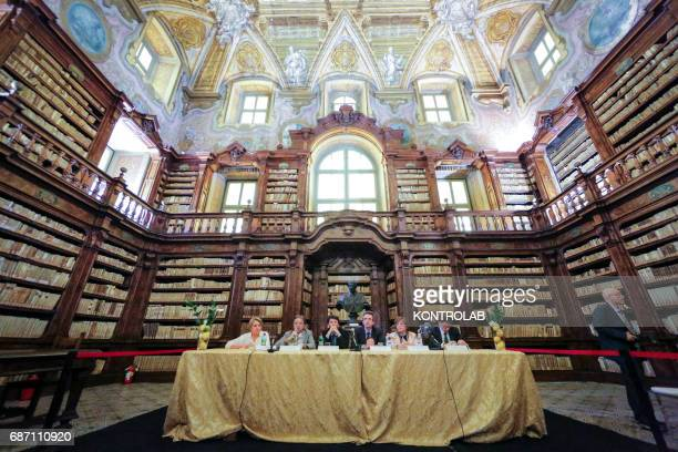 A moment of the press conference for the opening of the ancient library of the Girolamini to the students of the High School of History and Philology...