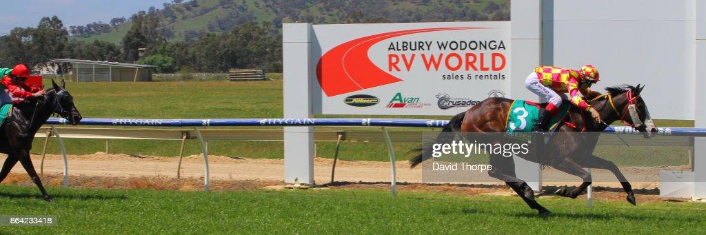 Wodonga & District Turf Club Race Meeting