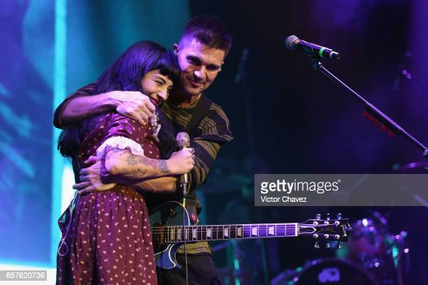 Mon Laferte and colombian singer Juanes perform onstage a showcase to promote Juane's new album 'Mis planes son amarte' at Plaza Condesa on March 24...