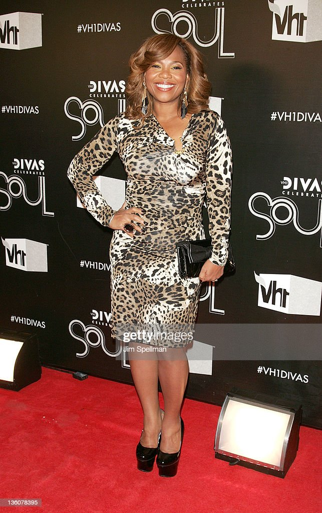 <a gi-track='captionPersonalityLinkClicked' href=/galleries/search?phrase=Mona+Scott+-+CEO&family=editorial&specificpeople=235336 ng-click='$event.stopPropagation()'>Mona Scott</a> Young attends 2011 VH1 Divas Celebrates Soul at the Hammerstein Ballroom on December 18, 2011 in New York City.