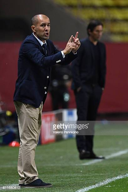 Monaco FC head coach Leonardo Jardim'nissues instructions during the UEFA Champions League Group E match between AS Monaco FC and Bayer 04 Leverkusen...