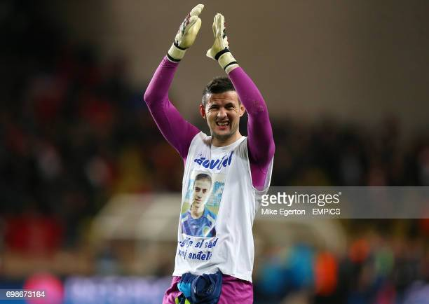 AS Monaco Goalkeeper Danijel Subasic applauds the fans after the final whistle
