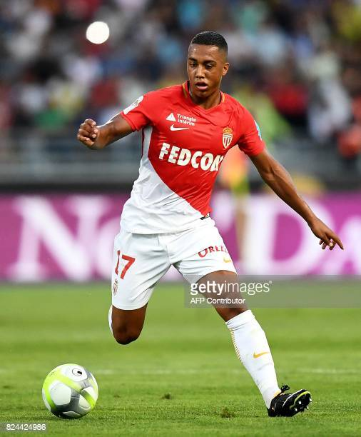 Monaco's Belgian midfeilder Youri Tielemans controls the ball during the French Trophy of Champions football match between Monaco and Paris...