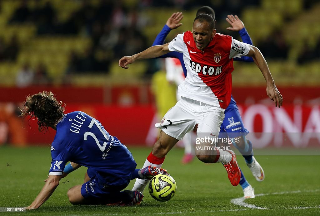 Monaco's Brazilian defender Fabinho (R) vies with Bastia's French midfielder <a gi-track='captionPersonalityLinkClicked' href=/galleries/search?phrase=Guillaume+Gillet&family=editorial&specificpeople=4542498 ng-click='$event.stopPropagation()'>Guillaume Gillet</a> (L) during the French L1 football match between Monaco (ASM) and Bastia (SCB) on March 13, 2015 at the 'Louis II Stadium' in Monaco.