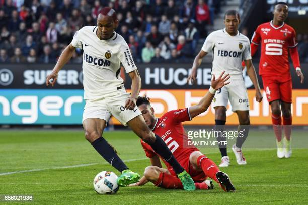 Monaco's Brazilian defender Fabinho vies with Rennes'Algeria defender Ramy Bensebaini during the French L1 football match between Rennes and Monaco...