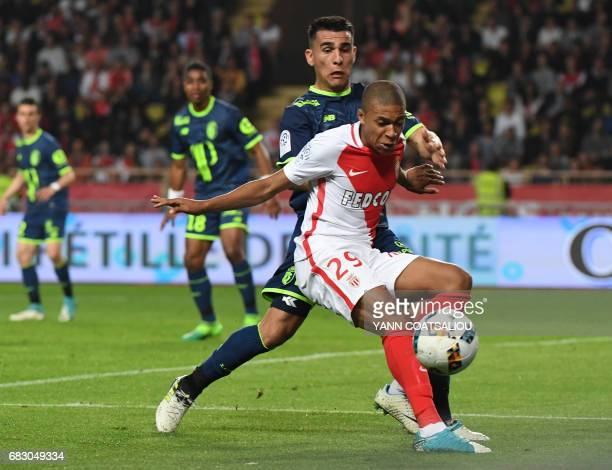 Monaco's French forward Kylian Mbappe Lottin control the ball during the French L1 football match between Monaco and Lille at the Louis II Stadium in...