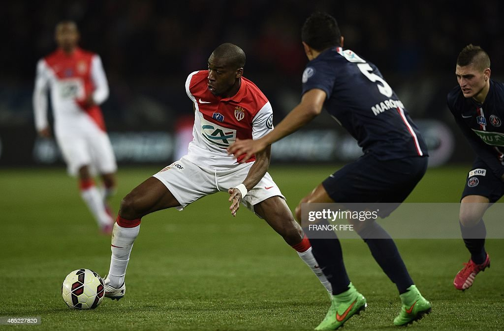 Monaco's French midfielder Geoffrey Kondogbia (L) challenges Paris Saint-Germain's Brazilian defender <a gi-track='captionPersonalityLinkClicked' href=/galleries/search?phrase=Marquinhos+-+Central+Defender+-+Born+1994&family=editorial&specificpeople=11132043 ng-click='$event.stopPropagation()'>Marquinhos</a> during the French Cup football match between Paris Saint-Germain (PSG) and Monaco at the Parc des Princes stadium in Paris on March 4, 2015.