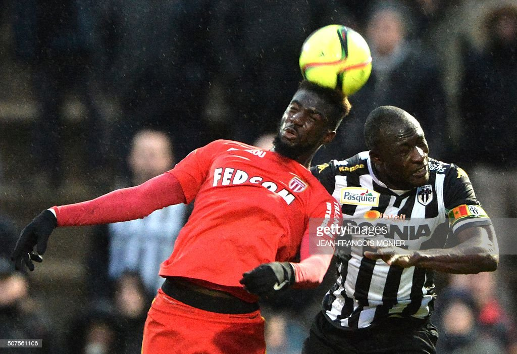 Monaco's French midfielder Tiemoue Bakayoko vies for the ball with Angers' Senegalese midfielder Cheikh N'Doye during the French L1 football match...