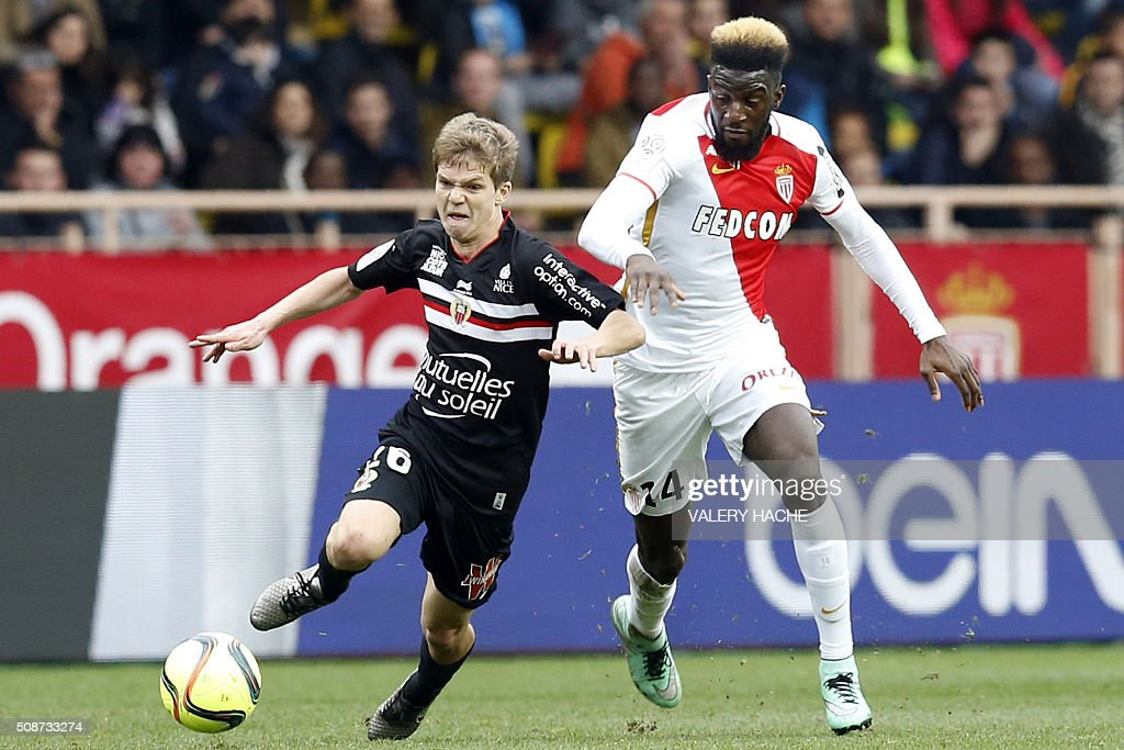 Monaco's French Midfielder Tiemoue Bakayoko (R) vies with Nice's French midfielder Vincent Koziello during the French L1 football match between Monaco (ASM) and Nice (OGCN) at Louis II Stadium in Monaco on February 6, 2016. AFP PHOTO / VALERY HACHE / AFP / VALERY HACHE