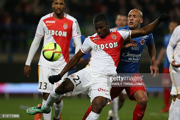 Monaco's Nigerian defender Elderson Echiejile vies with Caen's French defender Ala eddine Yahia during the French L1 football match between Caen and...
