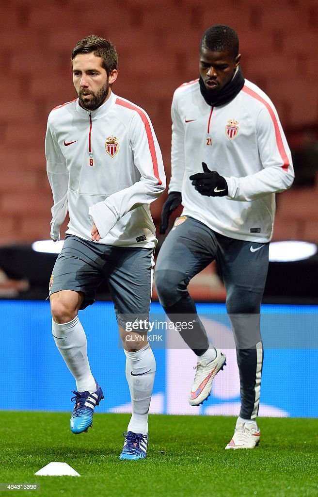Monaco's Portuguese midfielder Joao Moutinho (L) and Monaco's Nigerian defender <a gi-track='captionPersonalityLinkClicked' href=/galleries/search?phrase=Elderson&family=editorial&specificpeople=7148791 ng-click='$event.stopPropagation()'>Elderson</a> Echiejile (R) attend a training session at the Emirates Stadium in London on February 24, 2015, ahead of the UEFA Champions League round of 16 first leg football match against Arsenal FC on February 25 in London.