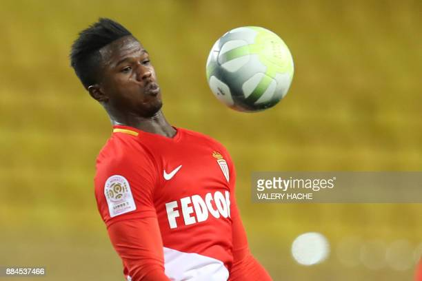 Monaco's Spanish forward Keita Balde controls the ball during the French L1 football match Monaco vs Angers on December 2 2017 at the Louis II...