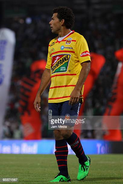 Monarcas Morelia's Miguel Sabah reacts during their match of quarters of final against Santos Laguna in the 2009 Opening tournament the closing stage...