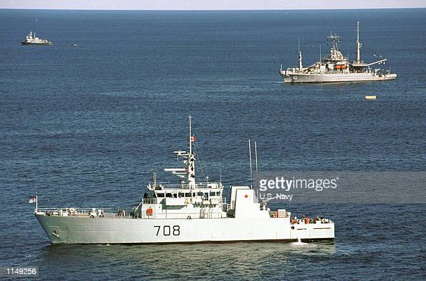 Moncton and the US Navy fleet support ship USS Grapple conduct recovery operations at the crash site of SwissAir Flight 111 Grapple is the US Navy's...