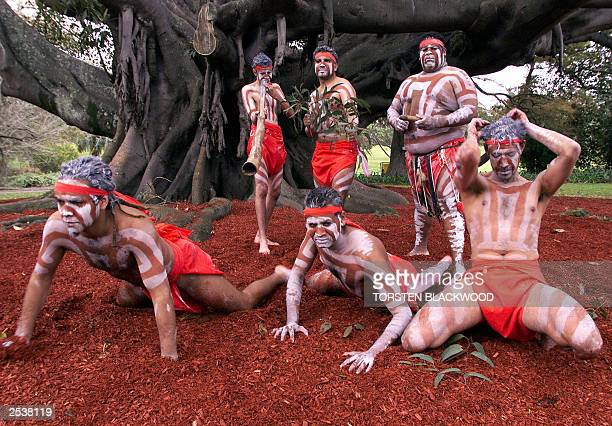 Monero Aborigines perform a traditional welcoming dance under a 150yearold fig tree during the 'Tubowgule The Meeting of the Waters' ceremony in...