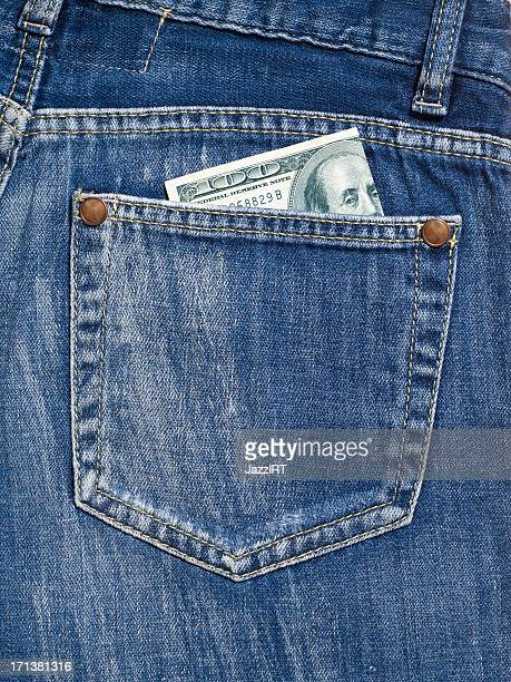 Soldi in tasca di jeans