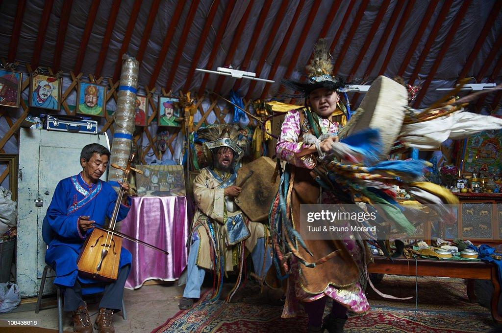 Mongolia, Ulan Bator, shaman ceremony