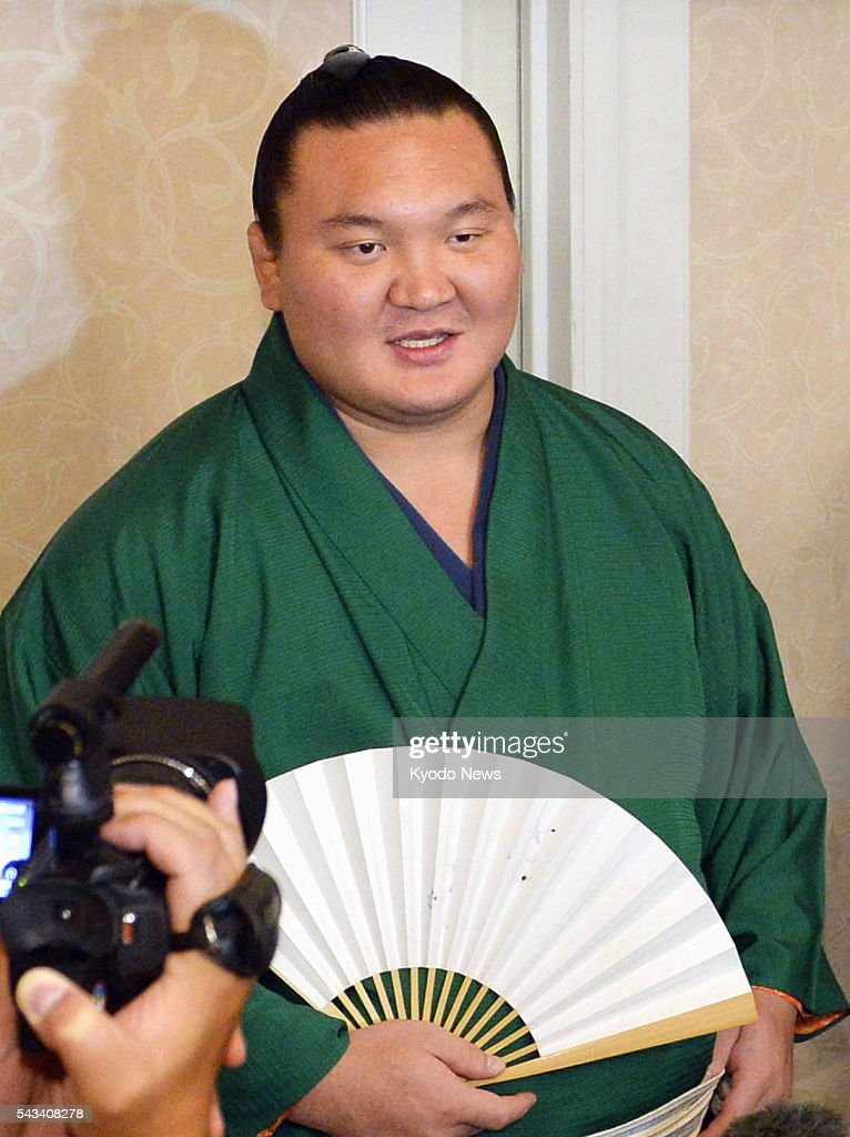 Mongolian grand champion Hakuho, who is 13 wins shy of 1,000 for his career, speaks to reporters in Nagoya on June 28, 2016. Hakuho said if he can reach 1,000 during the Nagoya Grand Sumo Tournament starting July 10, his chances of winning the tourney will go up accordingly.