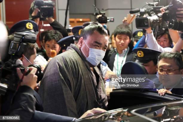 Mongolian yokozuna Harumafuji is seen on arrival at Haneda Airport on November 16 2017 in Tokyo Japan Yokozuna Harumafuji is reported to have beaten...