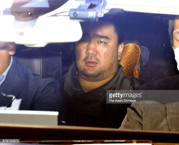 Mongolian yokozuna Harumafuji leaves Ryogoku Kokugikan on November 19 2017 in Tokyo Japan Yokozuna Harumafuji is reported to have beaten fellow...