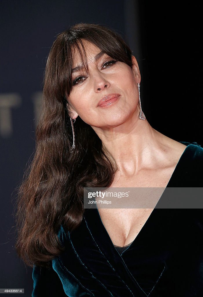 <a gi-track='captionPersonalityLinkClicked' href=/galleries/search?phrase=Monica+Bellucci&family=editorial&specificpeople=204777 ng-click='$event.stopPropagation()'>Monica Bellucci</a> attends the Royal Film Performance of 'Spectre'at Royal Albert Hall on October 26, 2015 in London, England.
