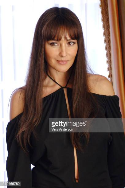 Monica Bellucci during 'The Brothers Grimm' Press Conference with Matt Damon Terry Gilliam Monica Bellucci and Heath Ledger at Four Seasons Hotel in...