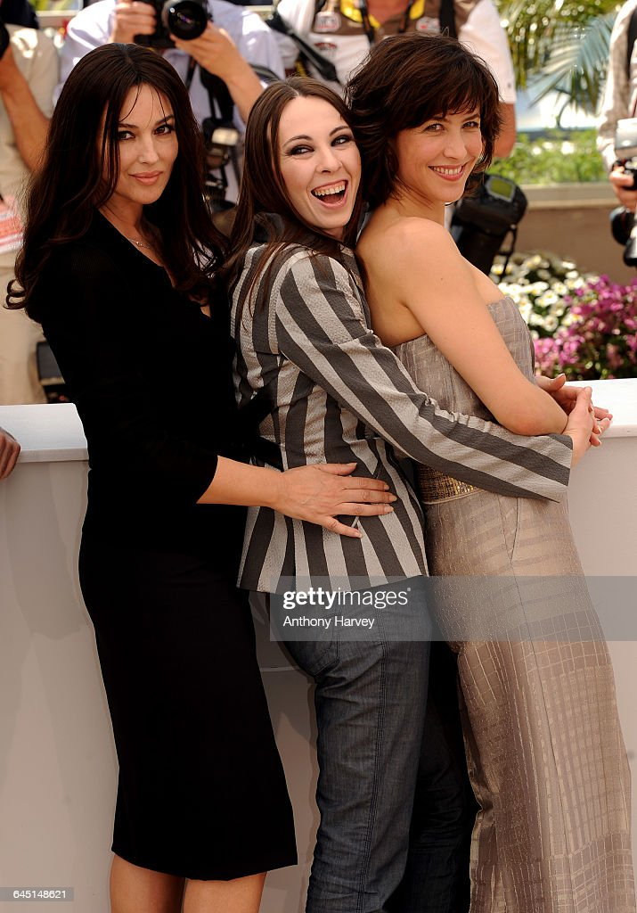<a gi-track='captionPersonalityLinkClicked' href=/galleries/search?phrase=Monica+Bellucci&family=editorial&specificpeople=204777 ng-click='$event.stopPropagation()'>Monica Bellucci</a>, Marina De Van and <a gi-track='captionPersonalityLinkClicked' href=/galleries/search?phrase=Sophie+Marceau&family=editorial&specificpeople=220531 ng-click='$event.stopPropagation()'>Sophie Marceau</a> attend the 'Don't Look Back' Photocall at the Palais Des Festivals during the 62nd International Cannes Film Festival May 16, 2009 in Cannes, France.
