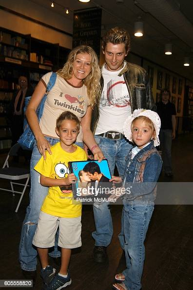 Monica Galing Oscar Rogowski Joey Galing and Julia Galing attend Patrick McMullan Book Signing at Barnes and Noble Astor Place on May 25 2006 in New...