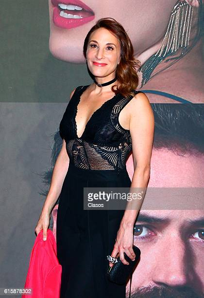 Monica Huarte attends La Vida Inmoral De La Pareja Ideal premiere and red carpet at Teatro Metropolitano on October 19 2016 in Mexico City Mexico