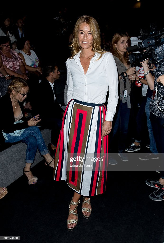 monica-martin-luque-is-seen-attending-mercedesbenz-fashion-week-at-picture-id606174550