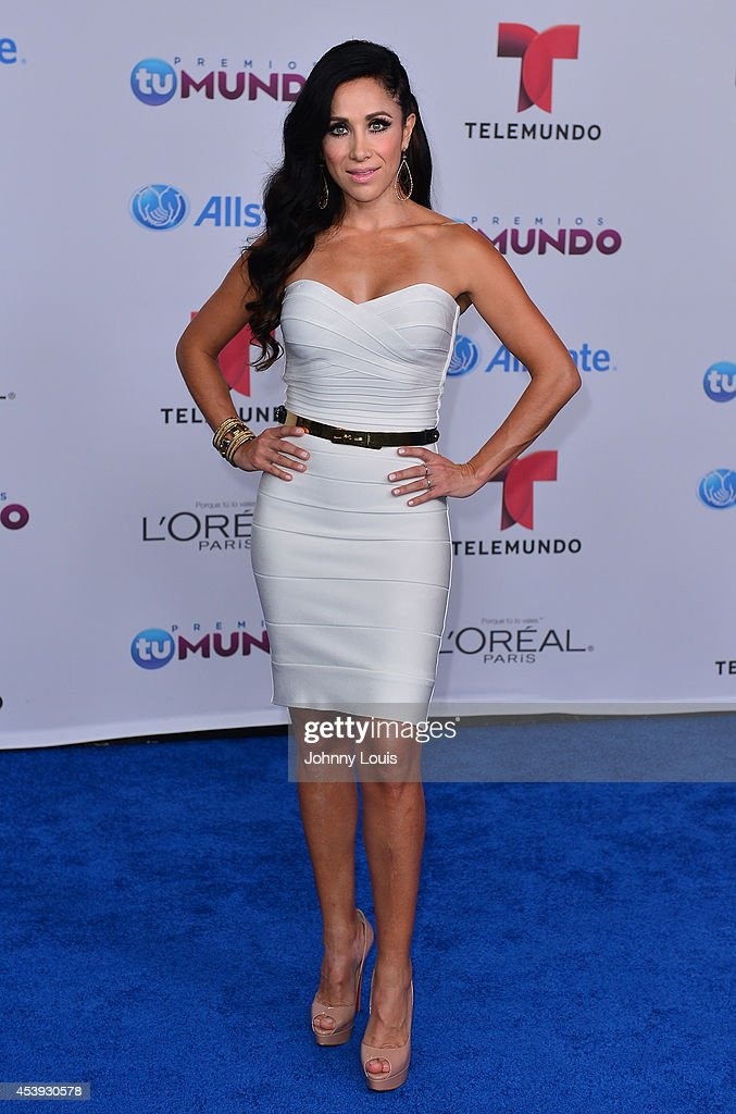 Monica Noguera arrives at Telemundo's Premios Tu Mundo Awards 2014 at American Airlines Arena on August 21, 2014 in Miami, Florida.