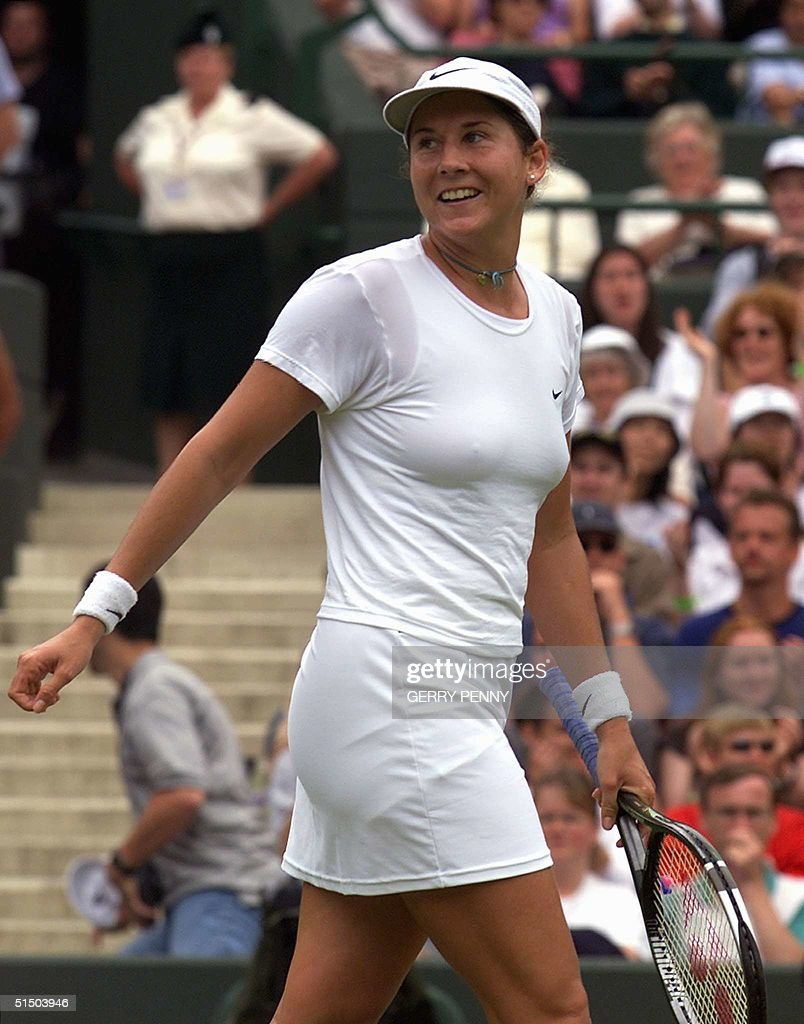 US Monica Seles smiles looking back to the crowd a