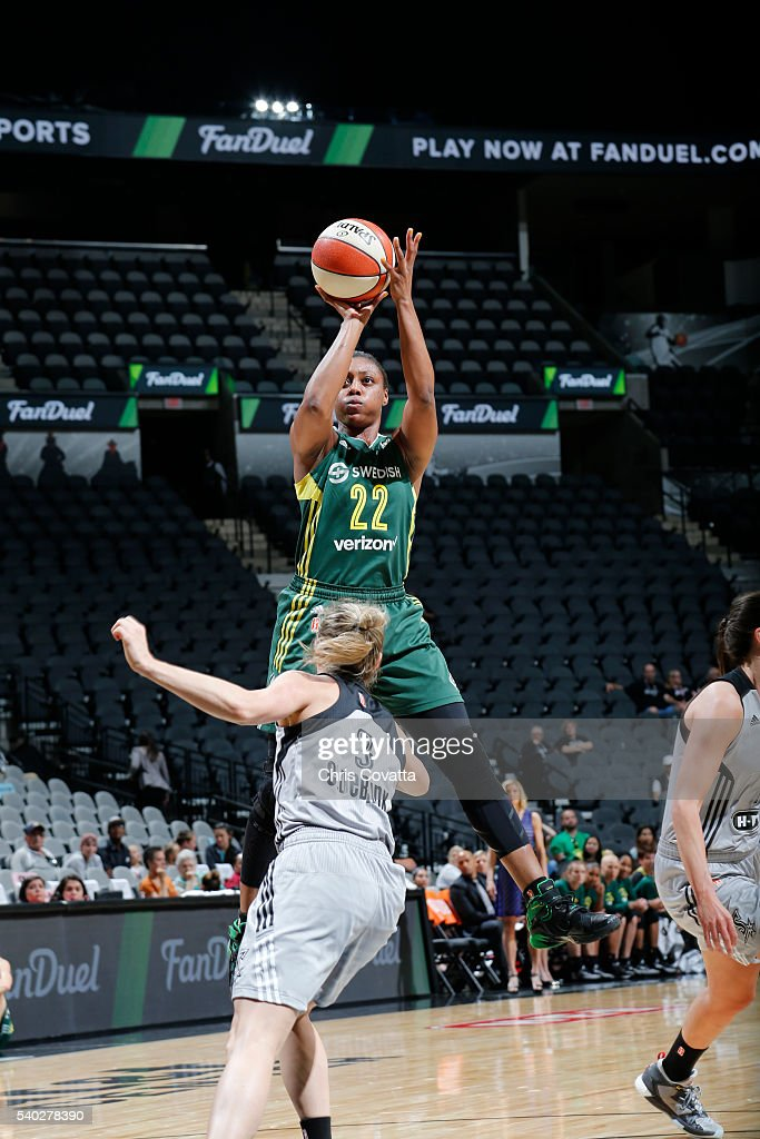 Monica Wright #22 of the Seattle Storm shoots the ball against the San Antonio Stars on June 14, 2016 at AT&T Center in San Antonio, Texas.