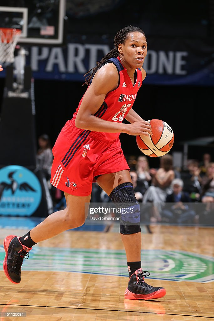 <a gi-track='captionPersonalityLinkClicked' href=/galleries/search?phrase=Monique+Currie&family=editorial&specificpeople=553598 ng-click='$event.stopPropagation()'>Monique Currie</a> #25 of the Washington Mystics handles the ball against the Minnesota Lynx on June 20, 2014 at Target Center in Minneapolis, Minnesota.