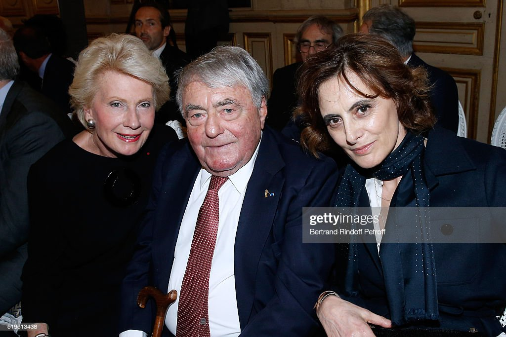 Monique Raimond, Journalist <a gi-track='captionPersonalityLinkClicked' href=/galleries/search?phrase=Claude+Lanzmann&family=editorial&specificpeople=2464586 ng-click='$event.stopPropagation()'>Claude Lanzmann</a> and Ines de la Frassange attend writer Marc Lambron receives 'L'Epee d'Academicien' of 'Academie Francaise' on April 6, 2016 in Paris, France.