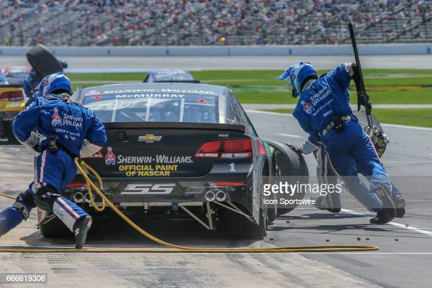 Monster Energy NASCAR Cup Series driver Jamie McMurray makes a pit stop during the Monster Energy NASCAR Cup Series O'Reilly Auto Parts 500 race on...