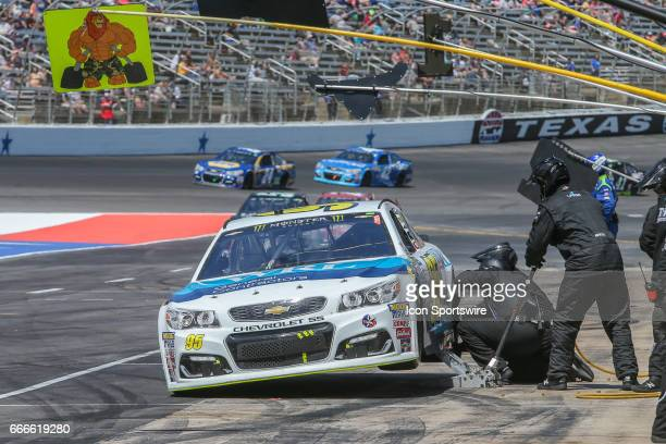 Monster Energy NASCAR Cup Series driver Michael McDowell makes a pit stop during the Monster Energy NASCAR Cup Series O'Reilly Auto Parts 500 race on...