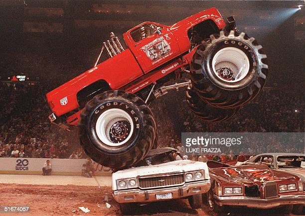 A 'Monster Truck' performs at the Capitol Centre in Landover Maryland 08 November 1986 Luke FRAZZA/AFP PHOTO