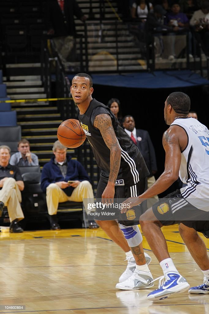 Monta Ellis #8 of the Golden State Warriors looks to pass at the team's annual Open Practice on October 6, 2010 in Oakland, California.