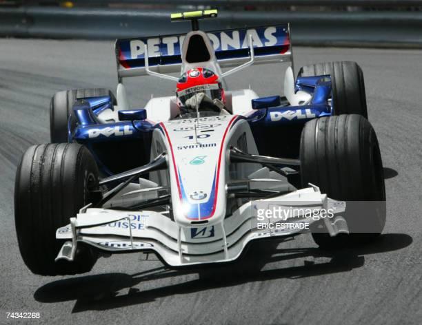 Polish BMWSauber driver Robert Kubica drives at the Monaco racetrack 27 May 2007 in Monte Carlo during the Monaco Formula One Grand Prix Spanish...