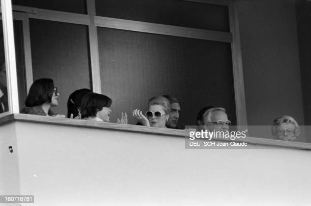 Montecarlo Tennis Tournament 1980 En mai 1980 à MonteCarlo pendant le tournoi de tennis la famille princière de Monaco à la tribune Au centre la...