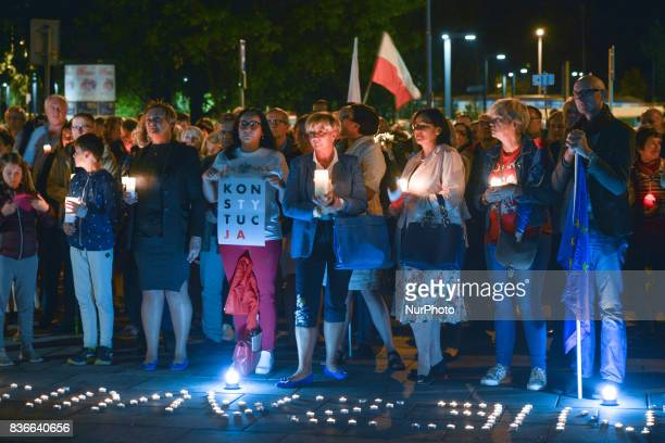 A month after the Polish President's veto around a hundred people gathered in front of Krakow's District Court on Monday evening for another...