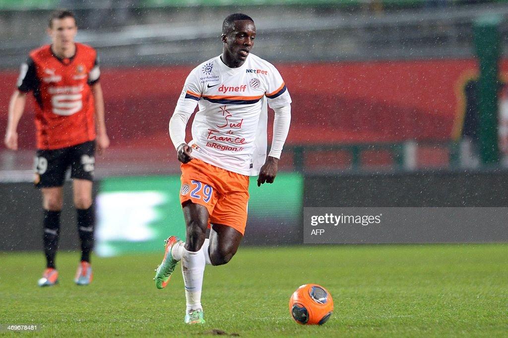 Montpellier's forward Victor Hugo Montano controls the ball during the French L1 football match between Rennes and Montpellier on February 15, 2014 at the Route de Lorient stadium in Rennes, western France.