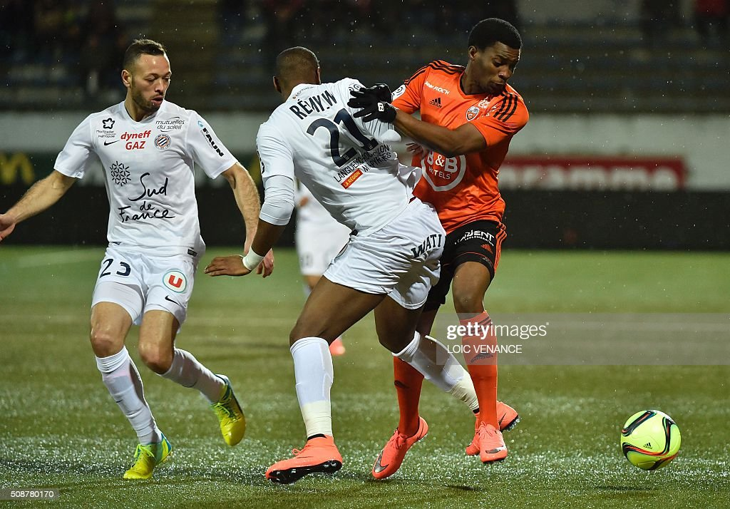 Montpellier's French defender William Remy (C) vies with Lorient's Cameroonian forward Benjamin Moukandjo during the French L1 football match Lorient vs Montpellier on February 6, 2016 at the Moustoir stadium in Lorient, western France. AFP PHOTO / LOIC VENANCE / AFP / LOIC VENANCE