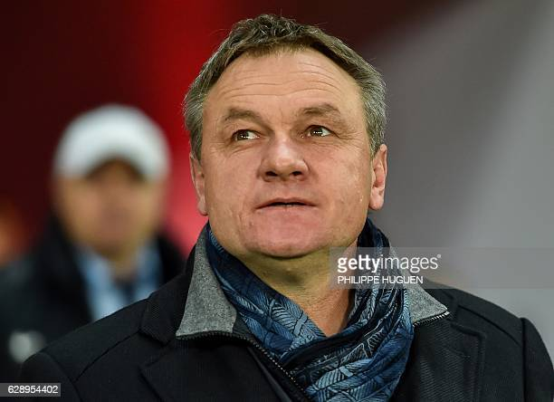 Montpellier's French head coach Frederic Hantz attends the French L1 football match Lille vs Montpellier on December 10 2016 at the ' Pierre Mauroy '...