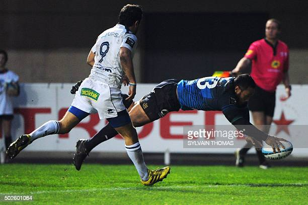 Montpellier's New Zealand centre Anthony Tuitavake scores a try during the French Top 14 rugby Union match Montpellier vs Agen on December 27 at the...