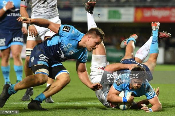 Montpellier's South African number eight Jan Serfontein scores a try during the French Top14 rugby union match between Montpellier and Toulouse on...